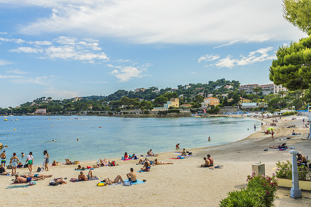 The beach at Beaulieu sur Mer, Alpes Maritimes, Provence Alpes Cote d'Azur, French Riviera, France, Mediterranean, Europe