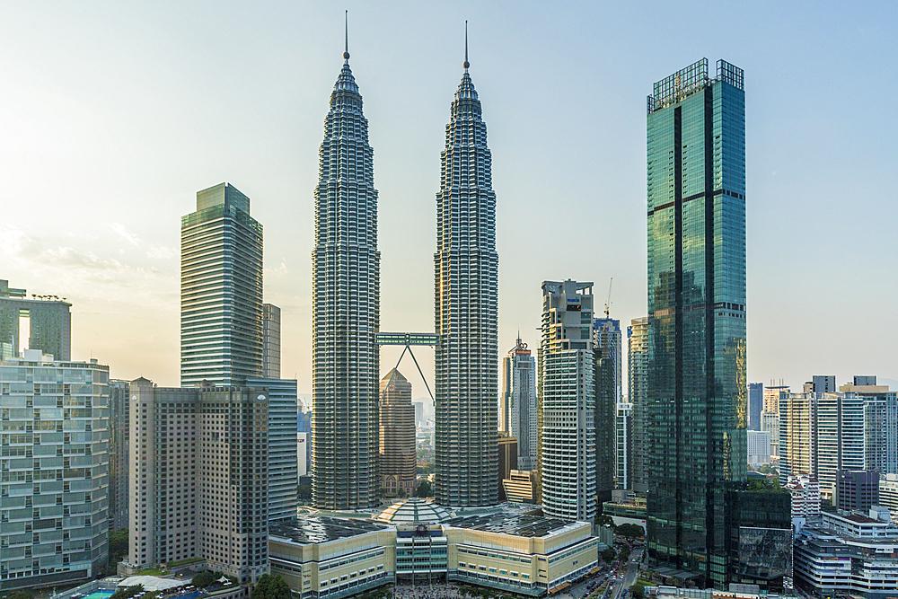 Petronas Twin Towers, Kuala Lumpur, Malaysia, Southeast Asia, Asia - 1297-1075