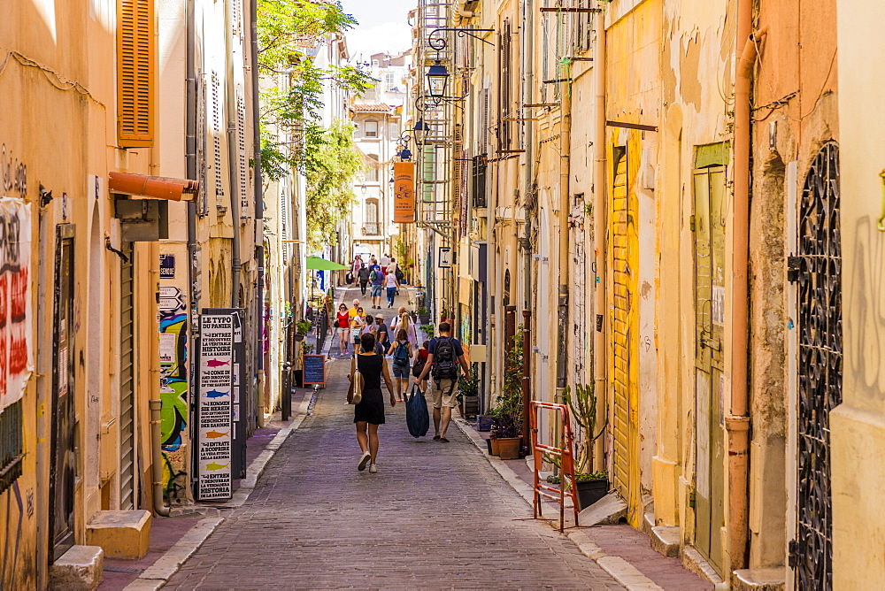 The narrow streets of the old town, Le Panier, Marseille, Bouches du Rhone, Provence, France, Mediterranean, Europe