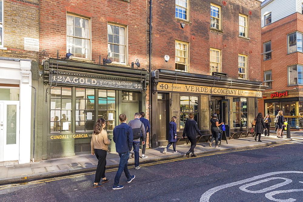 Beautiful old shops on Brushfield Street in Spitalfields London, England, United Kingdom, Europe. - 1297-383