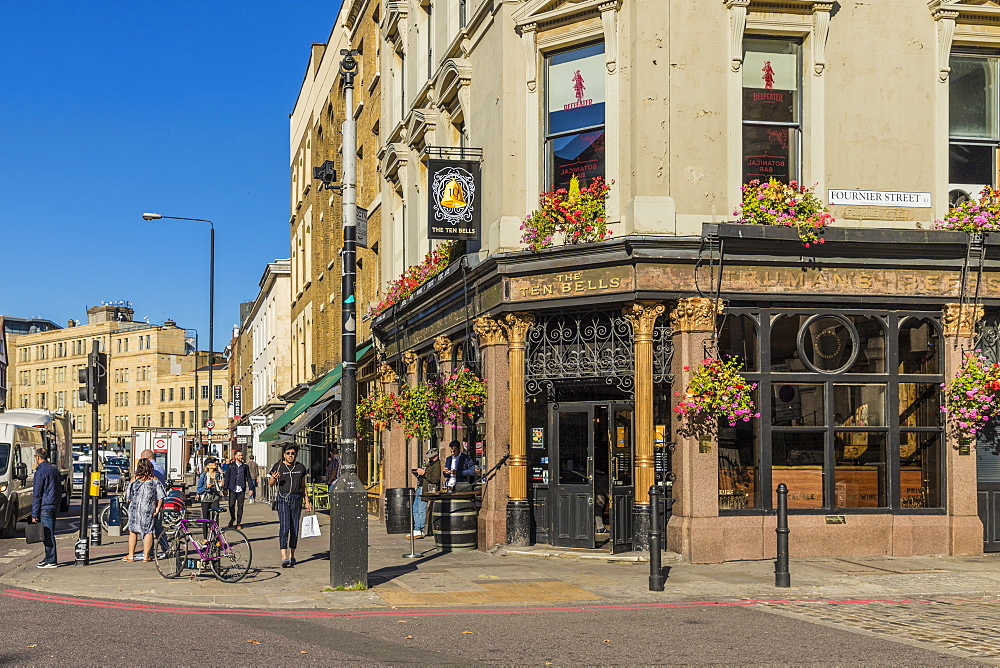 The Ten Bells pub in Spitalfields, in London, England, United Kingdom, Europe. - 1297-389