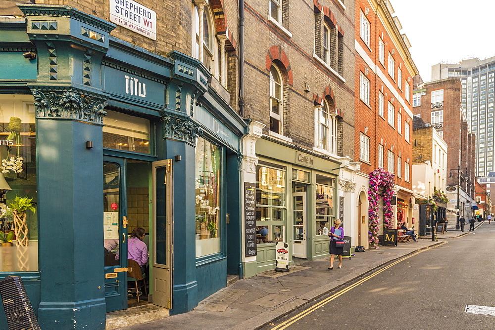 A street scene in Shepherd Market in Mayfair, London, England, United Kingdom, Europe