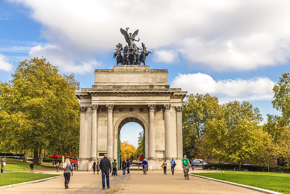 Wellington Arch on Hyde Park Corner, London, England, United Kingdom, Europe - 1297-406