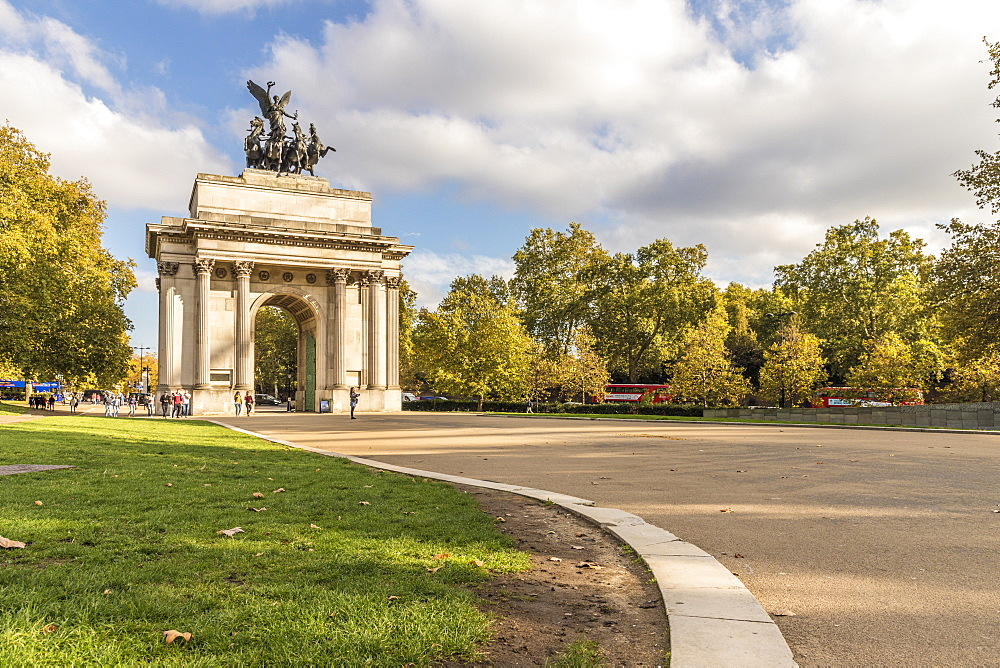 Wellington Arch on Hyde Park Corner, London, England, United Kingdom, Europe - 1297-409