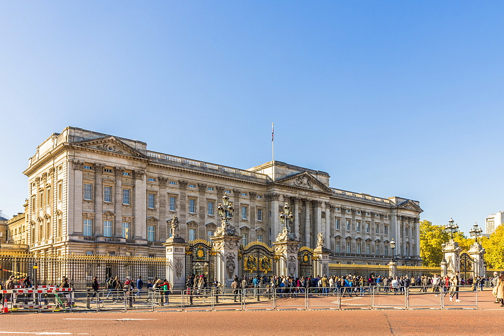 Buckingham Palace, London, England, United Kingdom, Europe - 1297-414