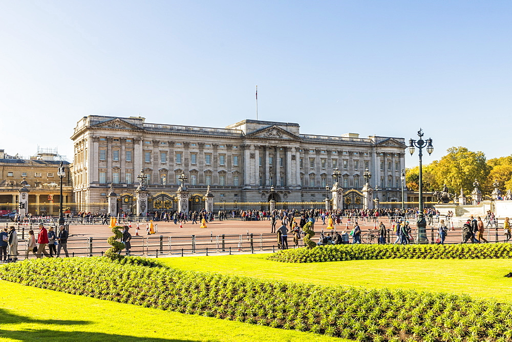 Buckingham Palace, London, England, United Kingdom, Europe - 1297-415