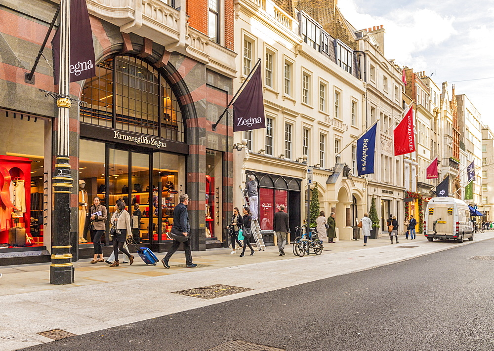 New Bond Street in Mayfair, with its elegant stores and luxury brands, in London, England, United Kingdom , Europe. - 1297-470