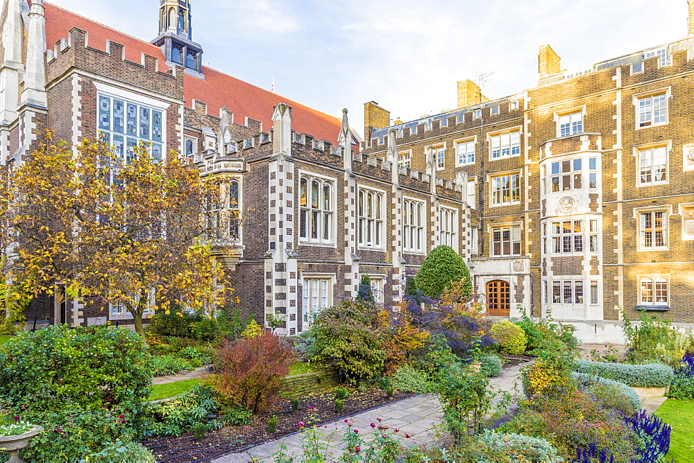 The Middle Temple gardens at Temple Inn, in Holborn, in London, England, United Kingdom, Europe. - 1297-490