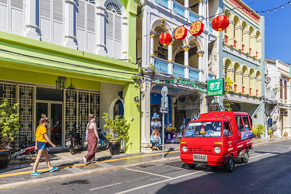 A tuk tuk taxi and Sino-Portuguese architecture in Phuket old town, Phuket, Thailand, Southeast Asia, Asia