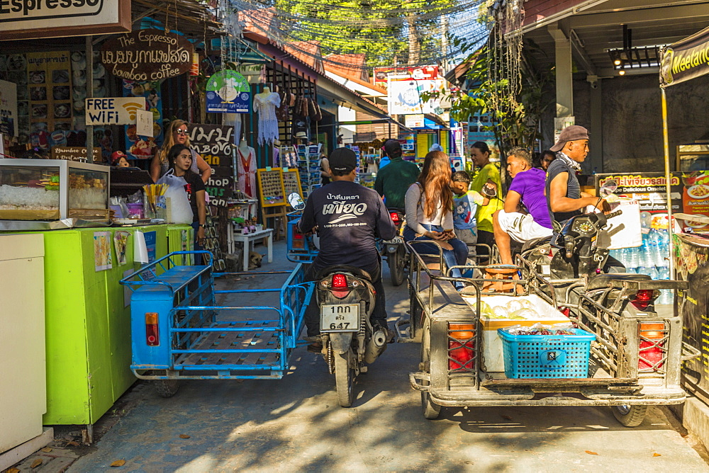 A street scene in Ko Lipe, Tarutao National Marine Park, Thailand, Southeast Asia, Asia