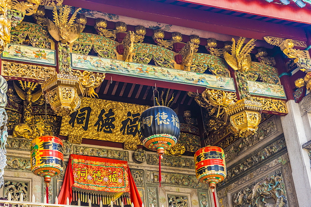 Ornate detail at the Khoo Kongsi temple, George Town, UNESCO World Heritage Site, Penang Island, Malaysia, Southeast Asia, Asia
