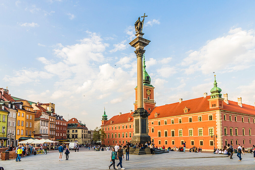 Sigismunds Column and Royal Castle in Royal Castle Square in the old town, a UNESCO World Heritage site in Warsaw, Poland Europe - 1297-881