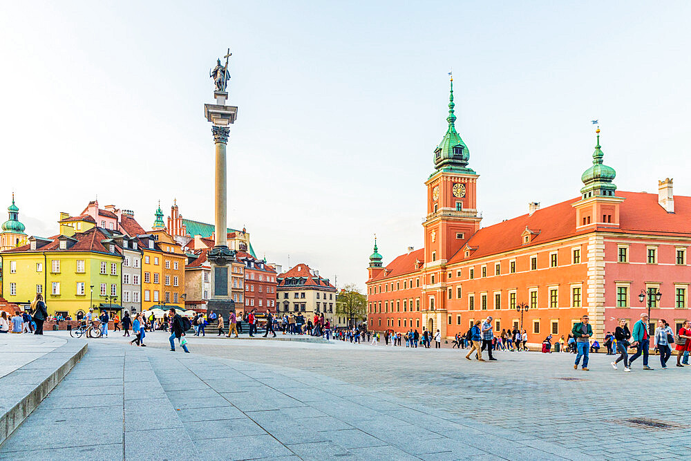 Sigismund's Column and Royal Castle in Castle Square in the old town, a UNESCO World Heritage site in Warsaw, Poland Europe. - 1297-889