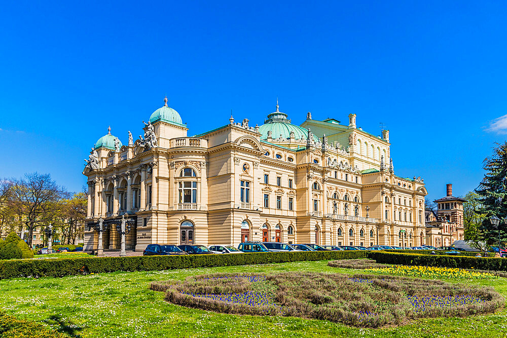 The Juliusz Slowacki Theatre in the medieval old town, a UNESCO World Heritage site, in Krakow, Poland, Europe - 1297-935
