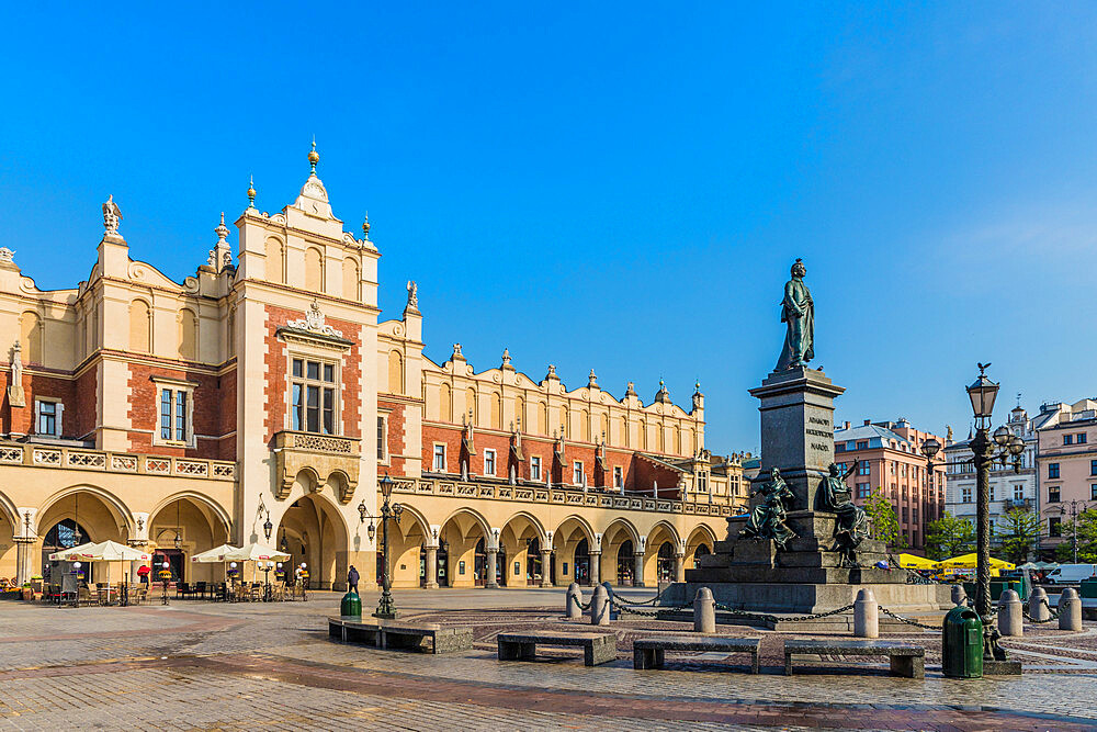 Cloth Hall & the Adam Mickiewicz Monument, in the Main Square, medieval old town, a UNESCO World site, in Krakow, Poland, Europe - 1297-940