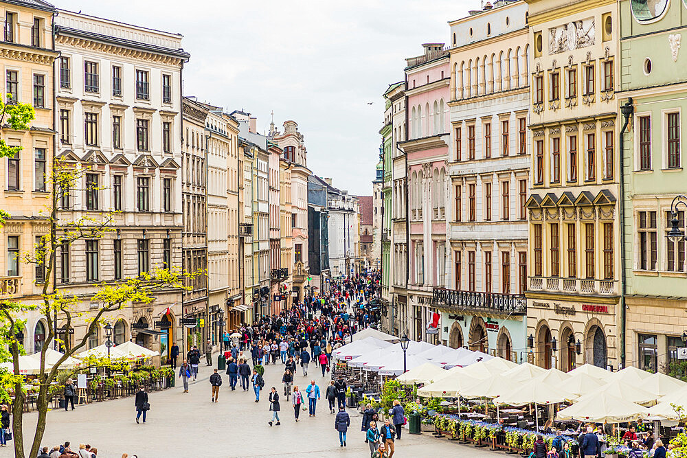 An elevated view over the Main Square in the medieval old town, a UNESCO World Heritage site, in Krakow, Poland, Europe. - 1297-949