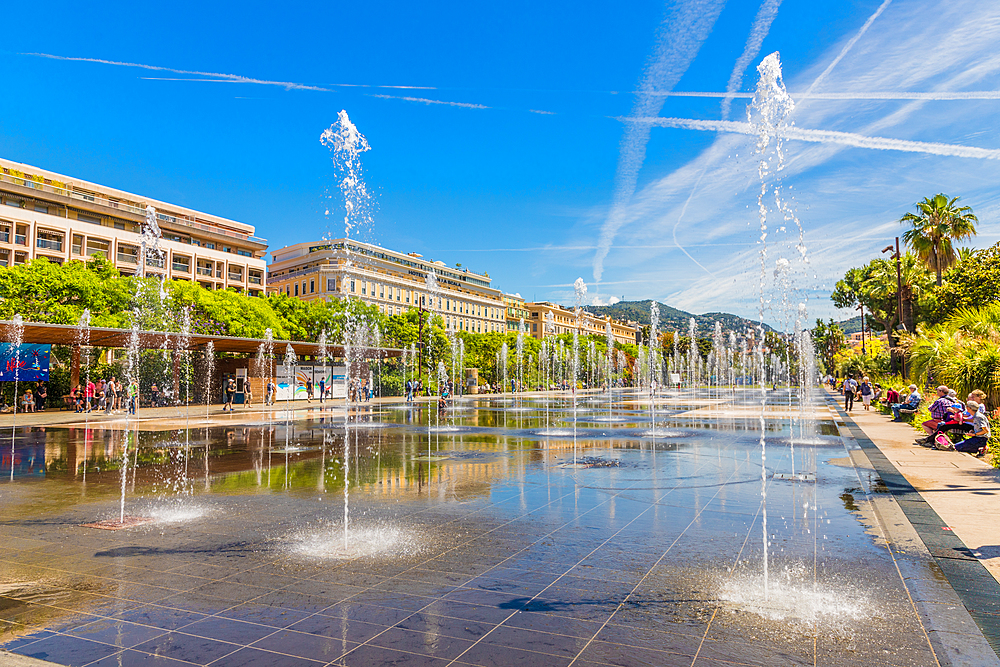 Fountains at Promenade du Paillon in Nice, Alpes Maritimes, Cote d'Azur, French Riviera, Provence, France, Mediterranean, Europe