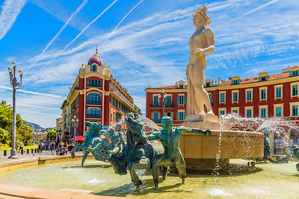 The Fountain of the Sun in Nice, Alpes Maritimes, Cote d'Azur, French Riviera, Provence, France, Mediterranean, Europe