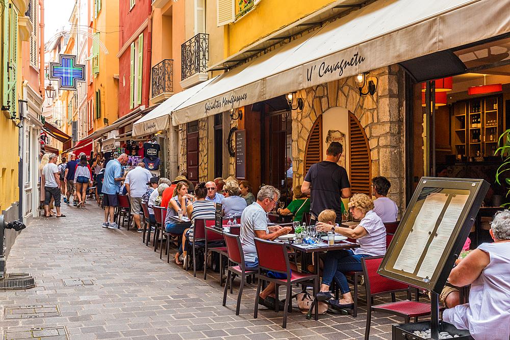 Cafe scene in Monaco Ville, old town, in Monte Carlo, Monaco, Cote d'Azur, French Riviera, Mediterranean, France, Europe