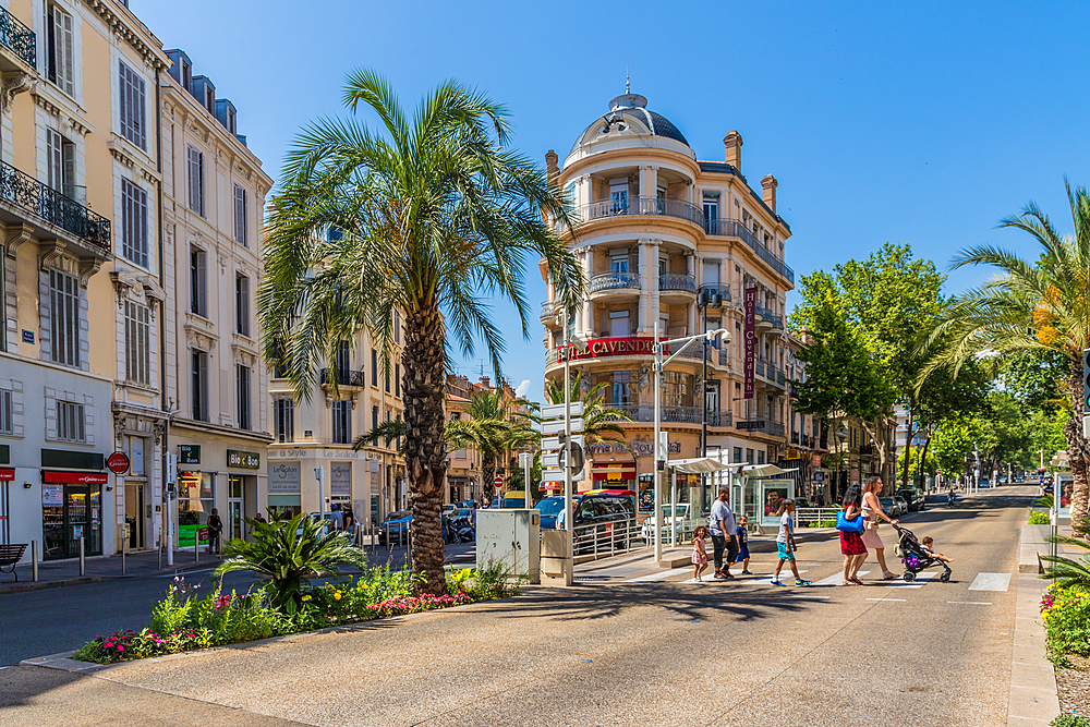 A street scene in Le Suquet old town in Cannes, Alpes Maritimes, Cote d'Azur, French Riviera, Provence, France, Mediterranean, Europe