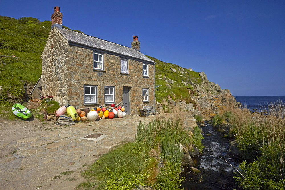 A traditional Cornish fisherman's cottage at Penberth Cove, Cornwall, England, United Kingdom, Europe - 1298-62