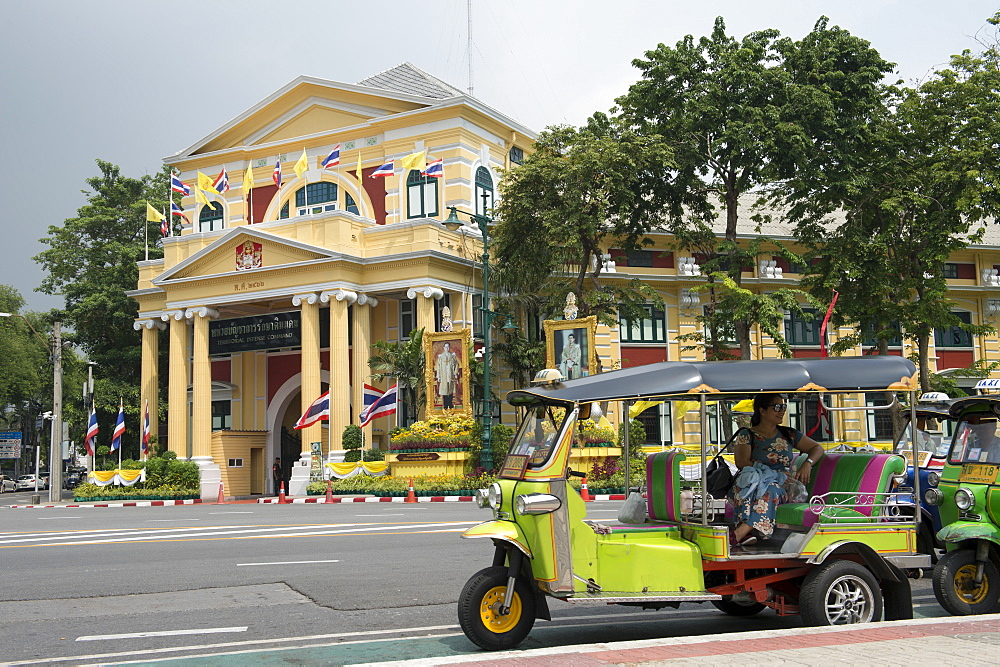 Tuk tuks outside The Territorial Defense Command building in Bangkok, Thailand, Southeast Asia, Asia