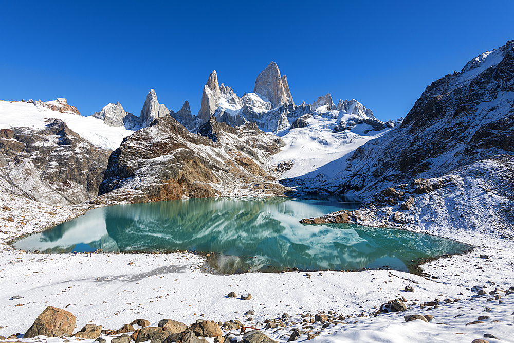 Mount Fitz Roy with covering of snow, Lago de los Tres (Laguna de los Tres), El Chalten, Los Glaciares National Park, UNESCO World Heritage Site, Patagonia, Argentina, South America