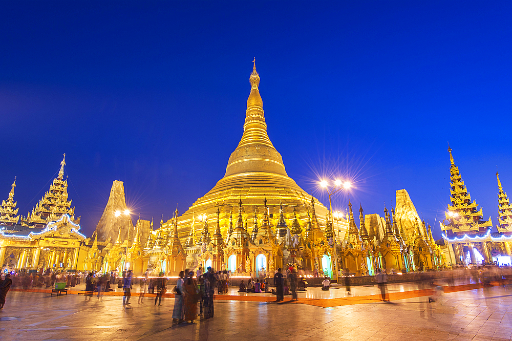 Shwedagon Pagoda at night, Yangon (Rangoon), Myanmar (Burma), Asia
