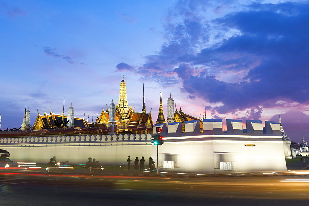 Tourists outside The Grand Palace at night, Bangkok, Thailand, Southeast Asia, Asia