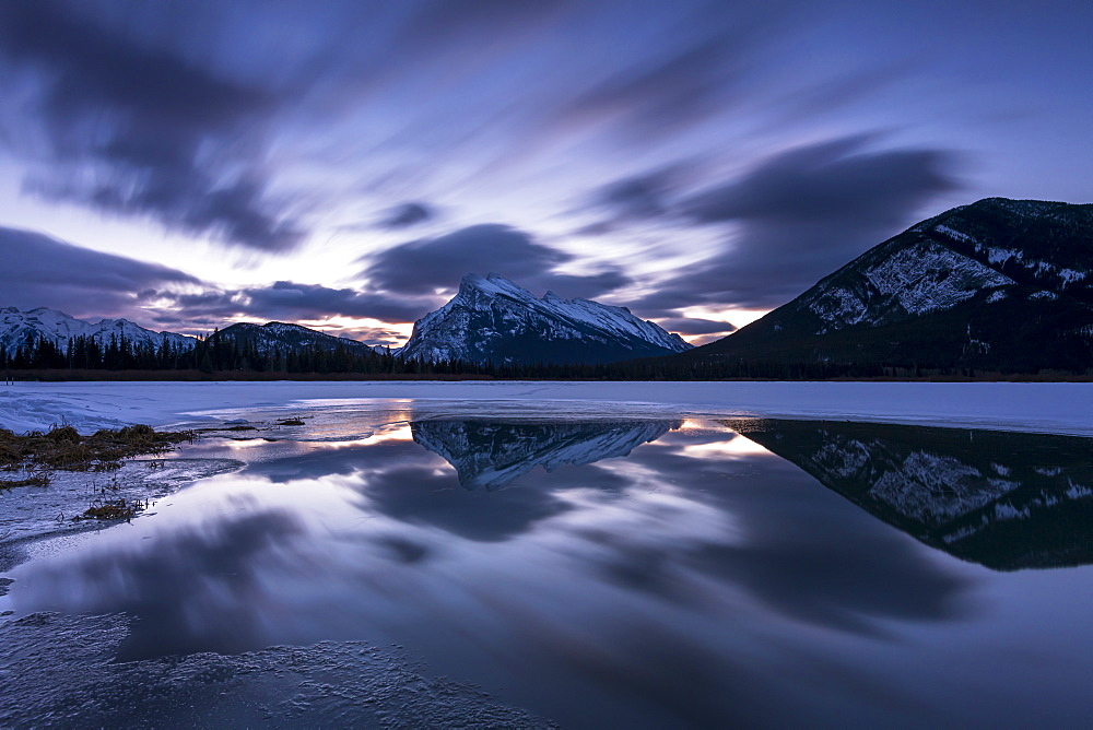 Mount Rundle and Vermillion Lakes at sunrise, Banff National Park, UNESCO World Heritage Site, Alberta, Canadian Rockies, Canada, North America