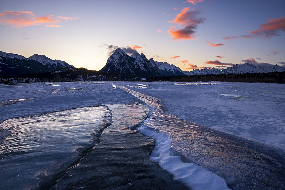 Winter at Lake Abraham at Preacher's Point, Kootenay Plains, Alberta, Canadian Rockies, Canada, North America