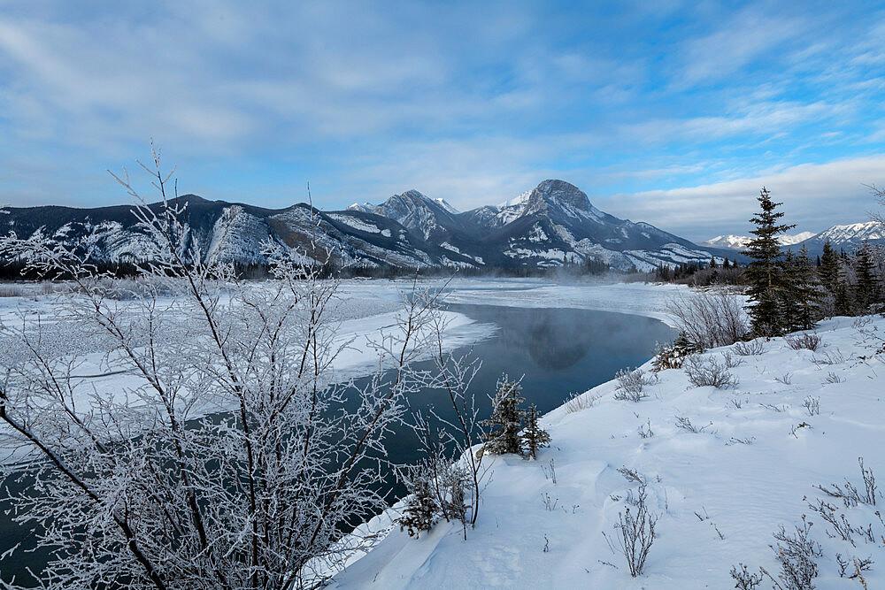 Bow River in winter, Jasper, Canadian Rocky Mountains, Alberta, Canada, North America