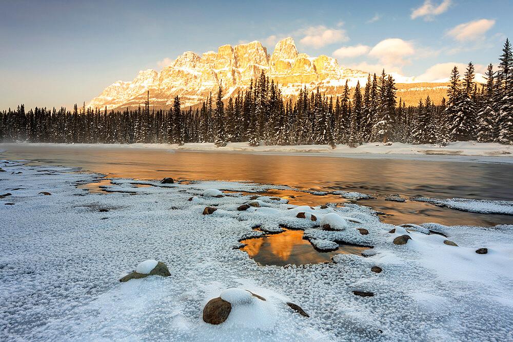 Castle Mountain in winter, Banff National Park, UNESCO World Heritage Site, Alberta, Canada, North America
