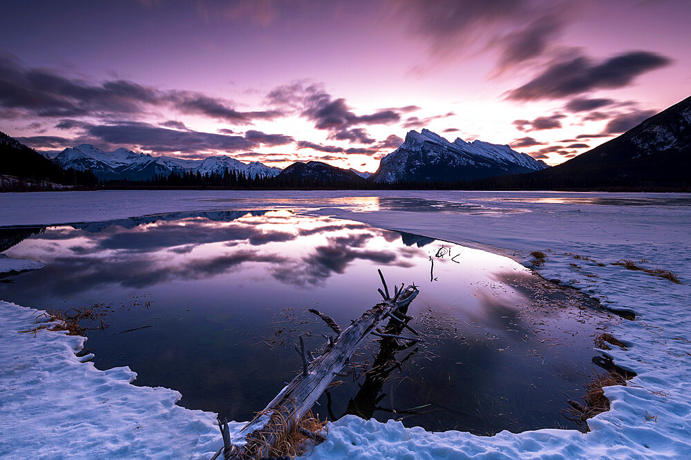 Sunrise at Vermilion Lakes in the Canadian Rocky Mountains, Banff National Park, UNESCO World Heritage Site, Alberta, Canada, North America - 1306-734