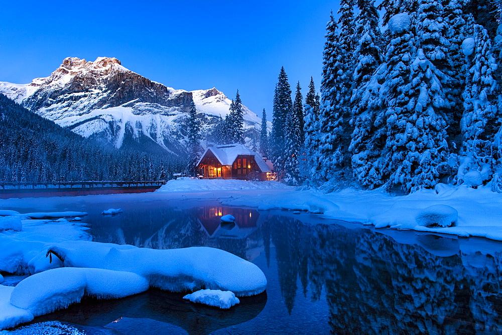Cilantro Lodge at Emerald Lake in winter, Emerald Lake, Yoho National Park, BC, Canada - 1306-99