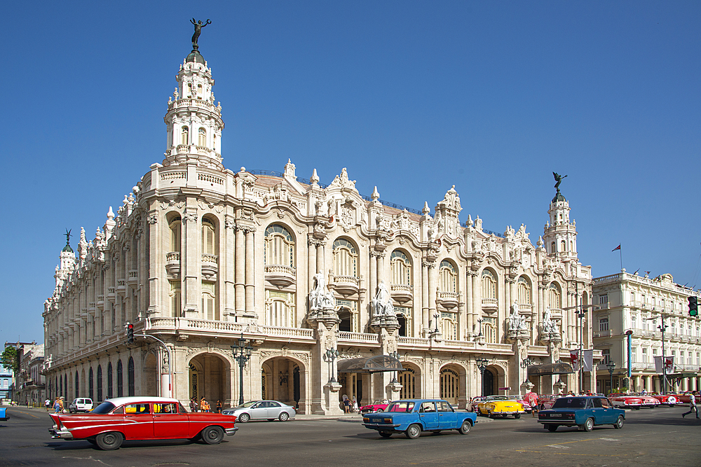 Street view featuring Great Theatre of Havana (Gran Teatro de La Habana) in Havana, Cuba, West Indies, Caribbean, Central America