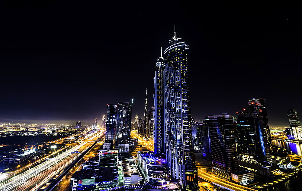 Long Exposure overlooking Dubai, United Arab of Emirates. - 1320-33