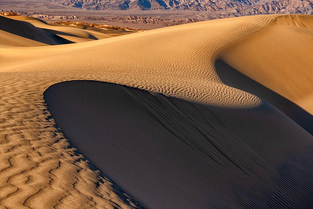 Sand dunes in the Sahara Desert, Merzouga, Morocco, North Africa, Africa - 1332-7