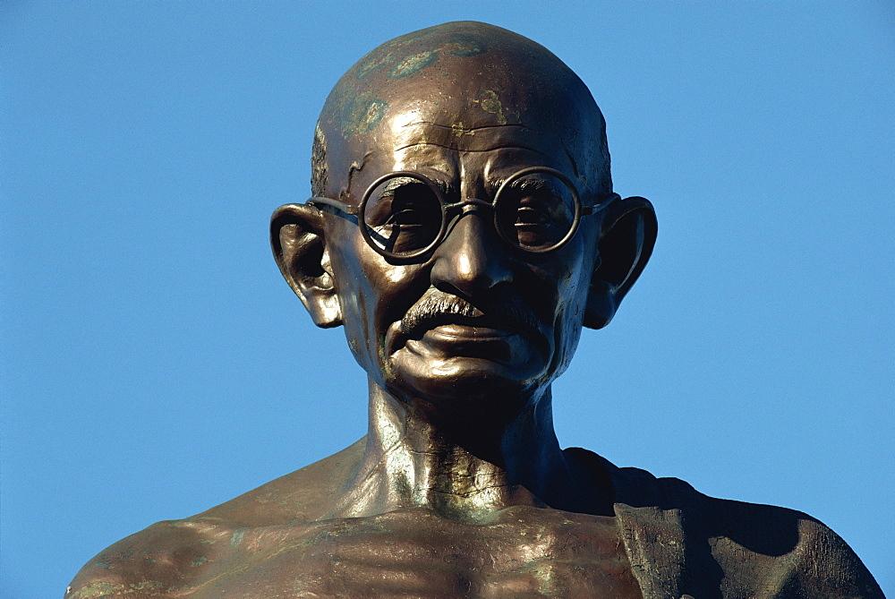 Statue of Mahatma Gandhi, Mumbai, India, Asia - 142-2794