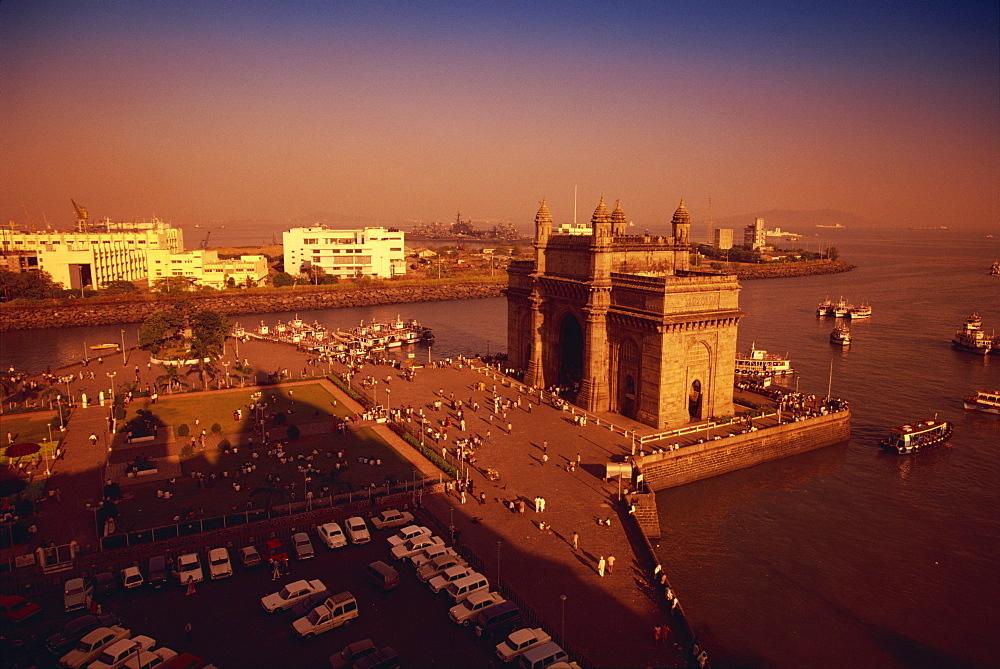 Gateway to India, Mumbai, India, Asia - 142-3269