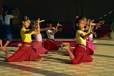 Girls training at Dance School, Phnom Penh, Cambodia, Indochina, Southeast Asia, Asia - 150-343