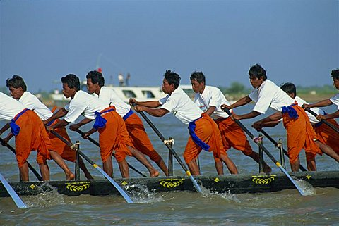 Racers at the Water Festival, Phnom Penh, Cambodia, Indochina, Southeast Asia, Asia - 150-386