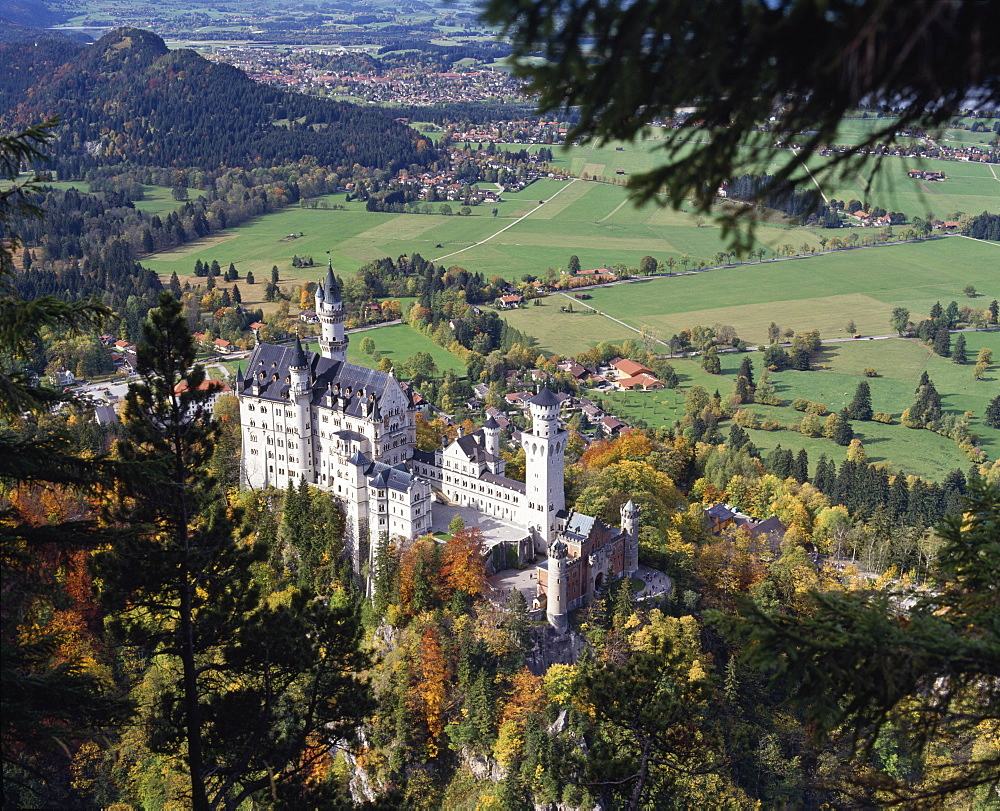 Neuschwanstein Castle, west of Fussen, Bavaria, Germany, Europe - 16-3173