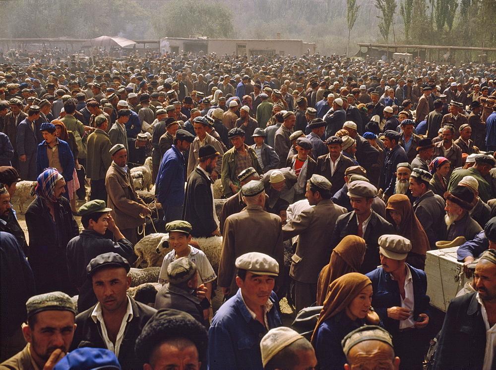 Kashgar Sunday Market, Xinjiang Rovince, China, Asia
