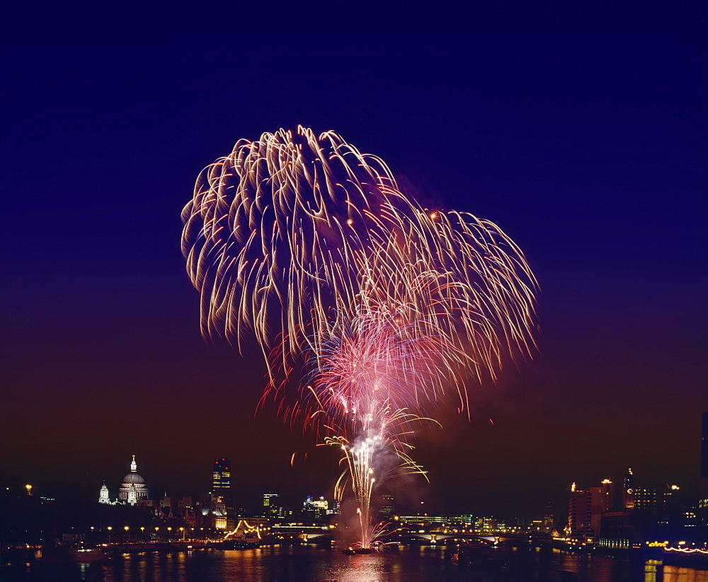 Fireworks over the River Thames, London, England, United Kingdom, Europe - 16-3203