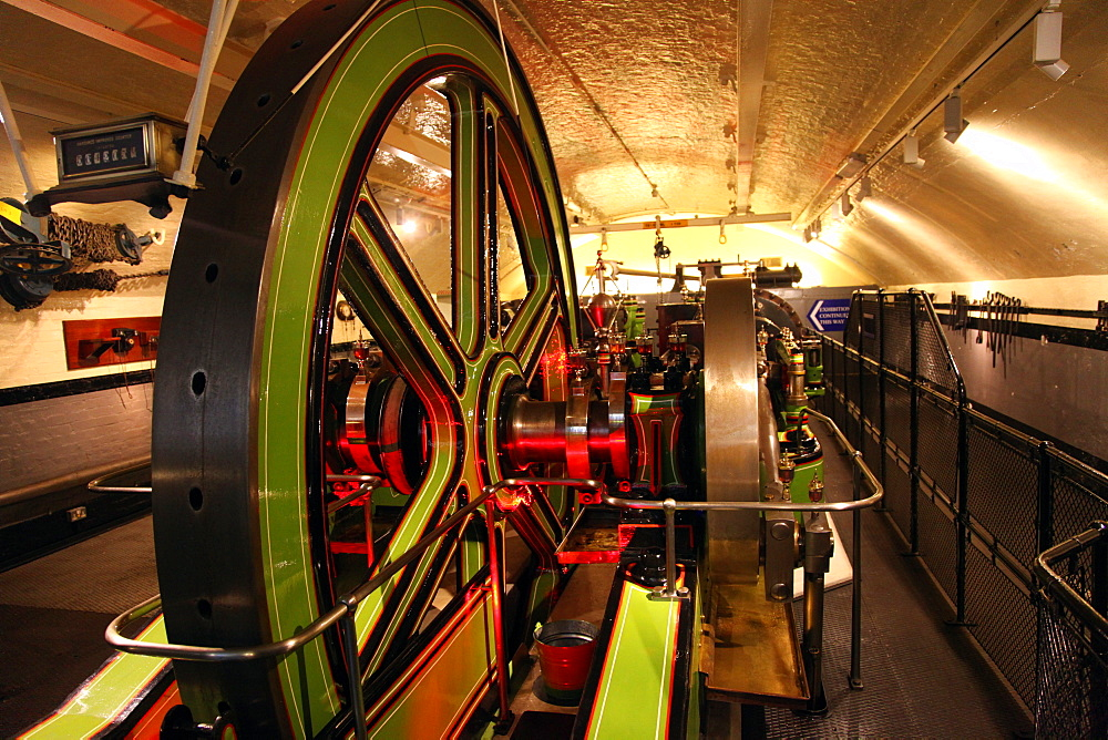 Engines for lifting gear, Tower Bridge, London, England, United Kingdom, Europe - 166-5426