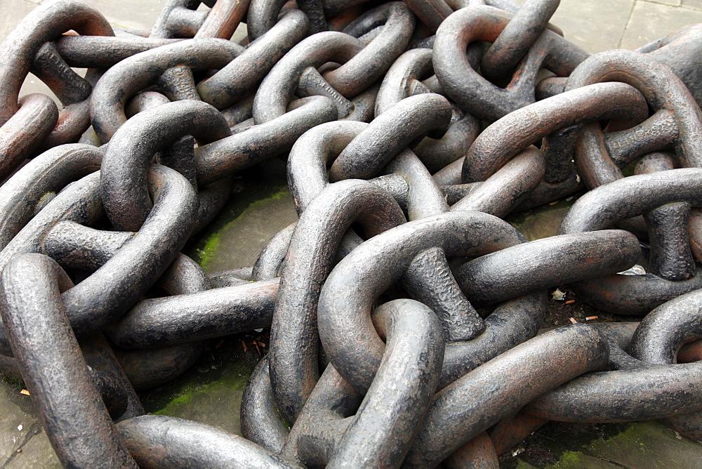 Mooring chain on a wharf near Tower Bridge, river Thames, London, England, United Kingdom, Europe - 166-5427
