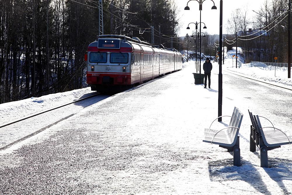 Suburban commuter train arriving at Vakas station near Oslo, Norway, Scandinavia, Europe  - 166-5432