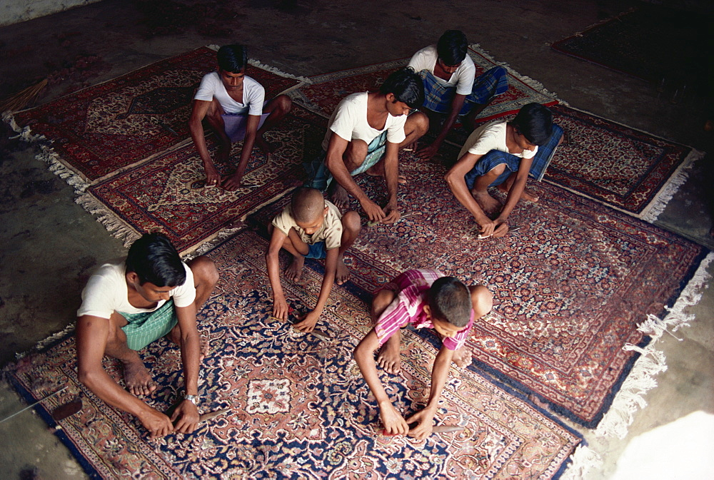 Carpet clipping and finishing, northern India, India, Asia