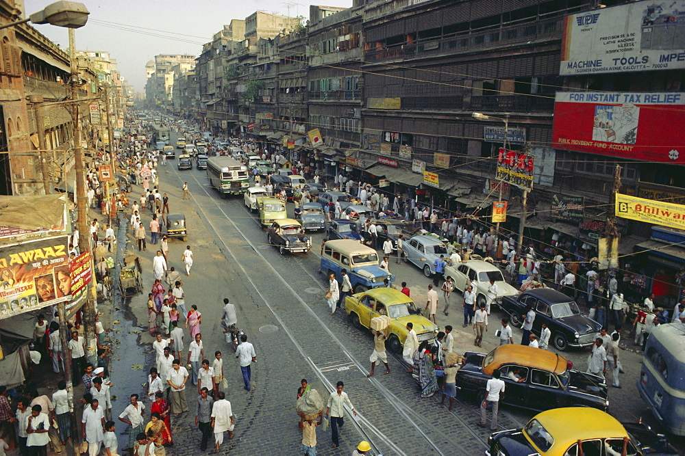 Busy street, Calcutta, West Bengal, India - 17-1565